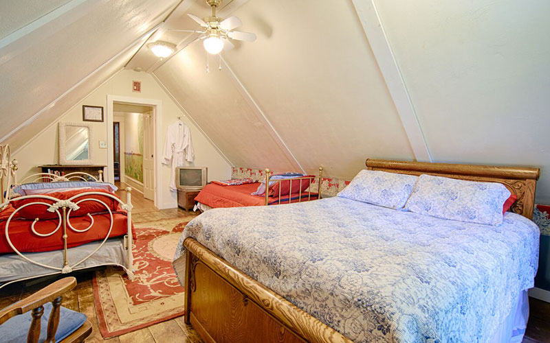 Willow Pond Rooms